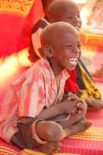 """Desde ALBOAN hemos lanzado la """"Campaña de Apoyo a la Educación en Chad"""" para dar a conocer la difícil situación de este país y solicitar fondos para apoyar a """"Fe y Alegría"""" en su labor de construir esperanza y futuro para más de 2.700 alumnos y alumnas de educación básica de 10 centros educativos."""