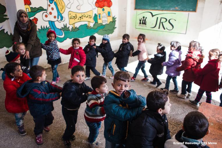 Sirian, 7 urte gerran: babes dezagun hezkuntza!