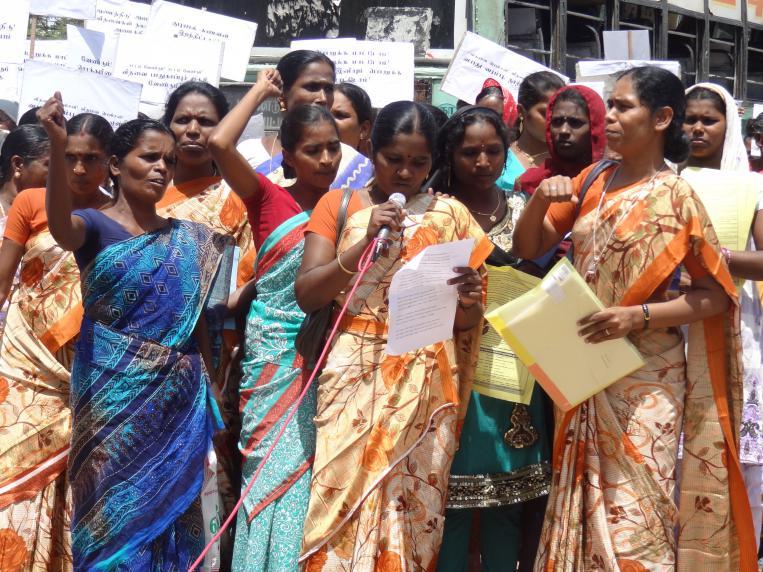 Los clientes de Laboral Kutxa apoyan a las mujeres dalit en India