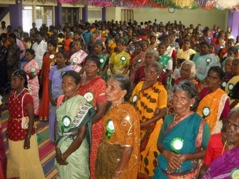 Los clientes de Laboral Kutxa renuevan su apoyo a las mujeres dalit en India