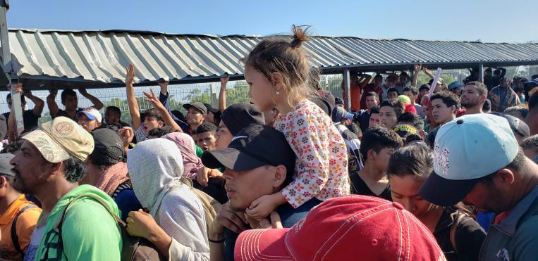 Irizar con la población migrante en Centroamérica