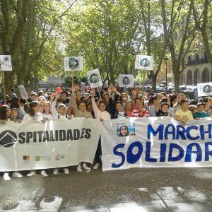 Errefuxiatu eta migranteen aldeko jardunaldi solidarioa Iruñean