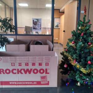 Rockwool colabora con la iniciativa Tu ropa en marcha